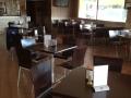 Mesas de la cafetería de nuestro restaurante en Lagartera